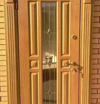 04 Входная дверь в коттедж + шпросы + стеклопакет