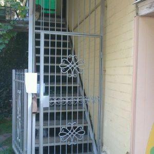 06 Решетчатая дверь + врезной замок