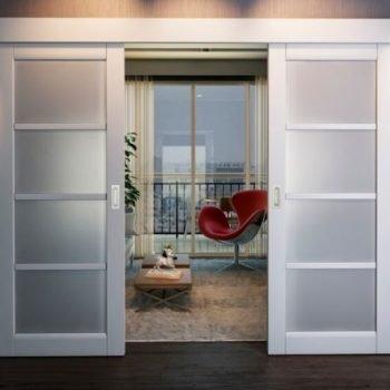 07 Межкомнатные раздвижные двери со стеклом + две створки