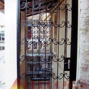 07 Решетчатая дверь + ручка + кованные элементы
