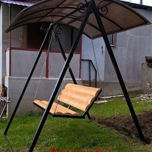 10 Скамейка-качель с навесом