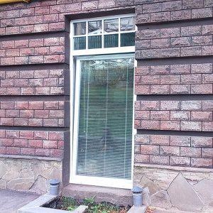 12 Металлопластиковое окно с фрамугой