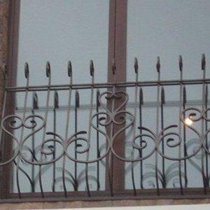 13 Решетка выпуклая + кованные элементы + для балкона