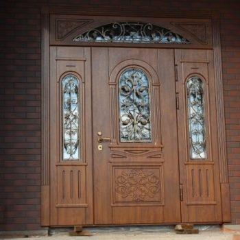 13 Входная дверь в коттедж + кованные элементы + стеклопакет + нестандарт + патина + объемные элементы