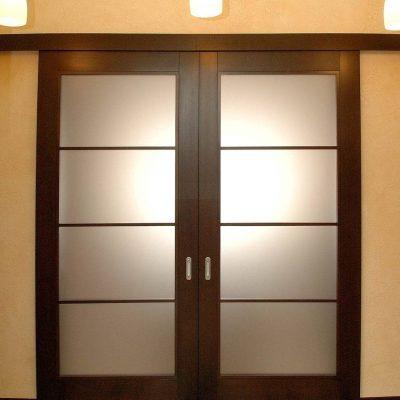 14 Межкомнатные раздвижные двери со стеклом + две створки