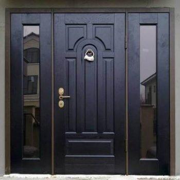 19 Входная дверь в коттедж + зеркальный стеклопакет + нестандарт + черный
