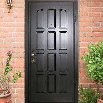 25 Входная дверь в дом + стандарт + черная