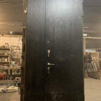 36 Входная дверь нестандарт высоты + фрамуга