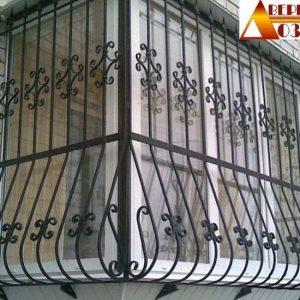 42 Решетка выпуклая с пиками на балкон