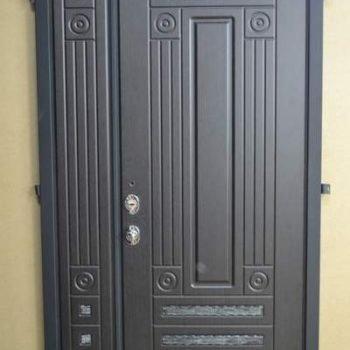 47 Входная дверь в дом + объемные эелемнты + нестандарт