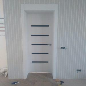 48 Межкомнатные двери со стеклом белые