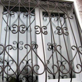 reshetki-na-okna-dvernoy-dozor-10