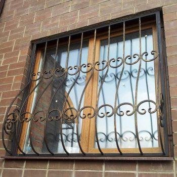 reshetki-na-okna-dvernoy-dozor-12