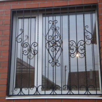 reshetki-na-okna-dvernoy-dozor-4