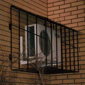 reshetki-na-okna-dvernoy-dozor-9
